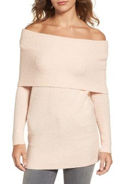 Free shipping and returns on Trouvé Off the Shoulder Tunic at Nordstrom.com. The changing seasons is no reason why your shoulders have to stay covered up. Dare to bare your collarbones in a soft and stretchy off-the-shoulder tunic with a cool fold at the neck.