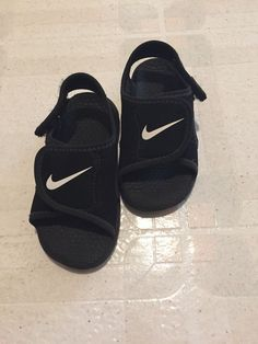 6e3d212771d1d Nike Toddler Boys Size 8c Sandals Black And White  fashion  clothing  shoes