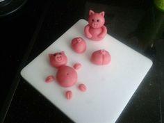For making a pig cake Fondant Flower Cake, Fondant Cakes, Cupcake Cakes, Cake Fondant, 3d Cakes, Sweet Cakes, Cute Cakes, Pigs In Mud Cake, Barnyard Cake
