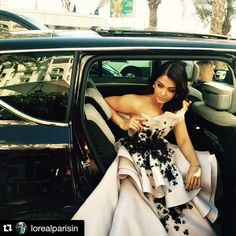 #AishwaryaRaiBachchan makes an entrance in @ralphandrusso couture #Cannes2015