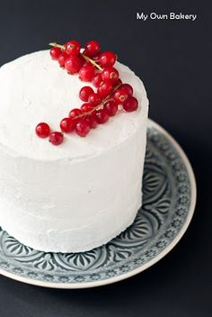 My Own Bakery  Mom s Birthday  Hummingbird Cake - banana spice cake - SO  pretty 833c5449cc