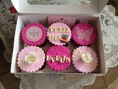 #cupcakes por el día de la #madre para regalar a una #maestra. Gracias Sra. Diana una vez más #motherday #mom #papelarroz #fotopapel #rosas #encaje #miskitrujillo