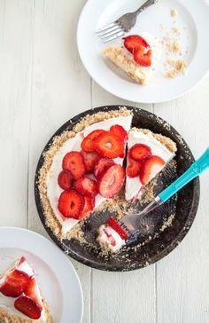 Strawberry Mascarpone Yogurt Pie. No bake, and only 7 ingredients!