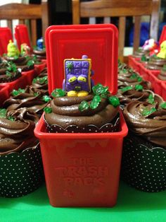 Trash pack cupcakes