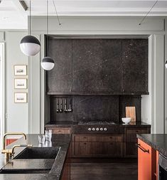 Nowadays, masculine kitchen Designs are popular. The characteristic of this design is the shade and modern look. In creating the modern masculine kitchen Simple Kitchen Design, Interior Design Kitchen, Kitchen Designs, Stone Kitchen, Kitchen Dining, Kitchen Island, Masculine Kitchen, Bertoia, Hidden Kitchen