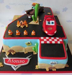 Disney Cars number 4 shaped cake | Bolo dos Cars em forma de quatro