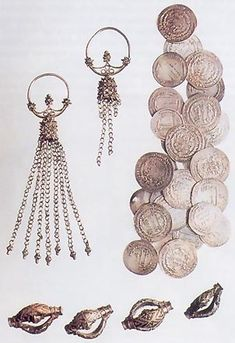 Early medieval Slavic jewellery found in Góra Strękowa, Poland