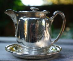 Canadian Pacific Railway One Piece Silver Creamer attached tray Canadian National Railway, Canadian Pacific Railway, Antiquities, Metals, Household, Tray, Restaurant, Silver, Antiques