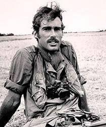 Sean Flynn the son of actor Errol Flynn, he went to Vietna… | Flickr
