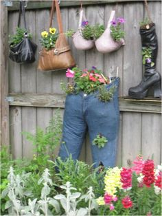 Whimsical container gardening projects to try садовые идеи, Diy Herb Garden, Garden Crafts, Garden Projects, Garden Art, Garden Club, Big Indoor Plants, Indoor Flowers, Container Plants, Container Gardening