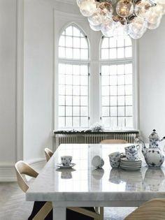 marble_table_and_blue_denmark_china_on_design_hunter_edited-2-1.jpg