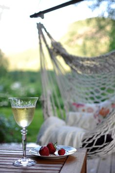 hammock, sunset ♥ strawberries and a glass of wine - French Bedroom Company perfection