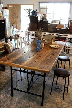 古木天板のダイニングテーブル