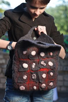 Funky felted bag Norsemans Armour / grey red white -