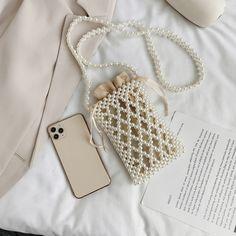 Beaded Bags, Beaded Jewelry, Look Fashion, Fashion Bags, Handmade Bags, Handmade Jewelry, Diy Bag Designs, Diy Bracelets Easy, Custom Bags
