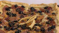 Saber cocinar - Pizza rellena de verduras, lacón y aceitunas (19/04/11) Cheesesteak, Relleno, Vegetable Pizza, Chicken, Meat, Tortillas, Vegetables, Ethnic Recipes, Food