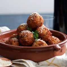 """Spaghetti Balls Three beautiful words for you: """"Fried Spaghetti Balls.""""Three beautiful words for you: """"Fried Spaghetti Balls. Fried Spaghetti, Tasty, Yummy Food, Appetizer Recipes, Vegetarian Appetizers, Snacks Recipes, Pizza Recipes, Easy Recipes, Recipies"""