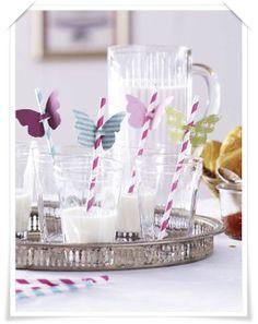 Decorativi piatti, bicchieri e cannucce alle feste dei bimbi