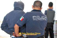 Nezahualcóyotl Méx. 25 Enero 2013. La eficaz acción de la policía municipal ha permitido, que entre muchos otros detenidos, hasta la tercera semana del presente mes, hayan sido detenidas más de 10 personas relacionadas con el robo de automóviles.    Foto. Francisco Gómez