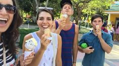 We takin' over: Costeño Life. The absolute best way to (try) to beat the B/quilla heat is ice cream in the park. Go to flavors: mandarina maracuyá arequipe & brownie (and chocolate of course) | #APIabroad #ispyAPI #teachabroad #teachincolombia #APItakeover #KerianneinColombia
