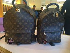 กระเป๋าสะพาย LV PALM SPRINGS BACKPACK Size MM+PM (New Collection)‼️ - Iris Shop