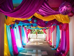 Karen - Idea for draping down the hallway btwn the front lobby and ballroom? Arabian Nights Prom, Arabian Party, Arabian Nights Theme, Aladdin Birthday Party, Aladdin Party, Moroccan Theme Party, Indian Party Themes, Jasmin Party, Bollywood Theme