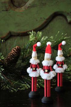 Christmas DIY: Pinspot Santa Clothe Pinspot Santa Clothespin Ornament by Pinspot on Etsy Christmas Ornament Crafts, Christmas Projects, Holiday Crafts, Christmas Decorations, All Things Christmas, Christmas Holidays, Modern Christmas, Family Christmas, Clothes Pin Ornaments