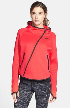 Nike Tech Butterfly Hoodie available at Womens Sports Fashion, Sports Women, Sporty Fashion, Chic Outfits, Sport Outfits, Primark Outfit, Sports Day Outfit, Urban Looks, Nike Tech