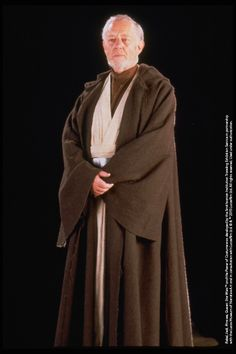 To give Old Ben Kenobi's kimono and robe a weathered look, false darns were applied—with Sir Alec Guinness providing the finishing touches by lying down on the sand and rolling around to give the costume an authentic layer of Tatooine grime. Design by: John Mollo  (based on sketches by Ralph McQuarrie) #StarWarsCostumes #behindtheseams