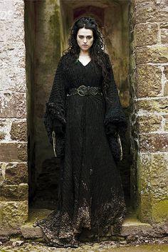 http://images5.fanpop.com/image/photos/31600000/-Morgana-merlin-on-bbc-31601265-500-750.jpg