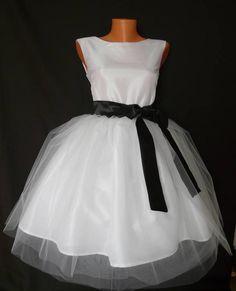 a55c4a44c261 Svadobné jednoduché šaty   TrishaFate