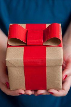WIN! Een verrassingspakket vol Leuke Lintjes, met alles wat je nodig hebt om een cadeau tot een echt cadeau te maken.