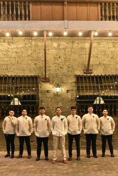 Spectacular Groomsmen Photos Poses Ideas That You Can't Miss Barong Tagalog Wedding, Barong Wedding, Filipiniana Wedding Theme, Filipiniana Dress, Wedding Groom, Wedding Attire, Wedding Suits, Wedding Entourage Gowns, Wedding Cake