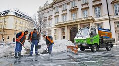 V zime sa nezamestnaní zídu najmä pri odpratávaní snehu.    Nový Čas