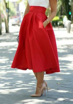 Love the brightness and fullness of the skirt