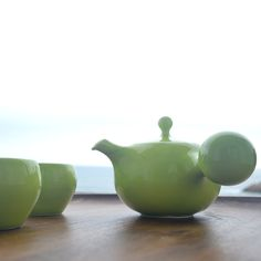 Did you know...Camellia Sinensis is green tea, black tea, puer tea, oolong tea and white tea. Each tea tastes different but is from the same plant. The differences are when the plant is picked and the way it is processed after harvesting.  #new #bulbteaset #limegreen #maiamingdesigns #lifestyleceramics #functionalpottery #design #afternoontea #teaclub #teaporn #teathings #teatime #teablogger #instatea #permissiontorelax #colorventures #dailydoseofwhimsey #thatcolorproject #etsyseller