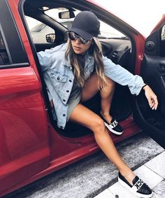 """487 curtidas, 14 comentários - Amanda Pinheiro ♡ (@amandaamaralc) no Instagram: """"• A foto espontânea no carro ✔️♀️ •"""""""