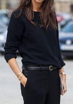 one of my favorite timeless looks--black on black Looks Street Style, Street Style Trends, Autumn Street Style, Looks Style, Street Styles, Paris Mode, Looks Black, Business Outfit, All Black Business Casual Outfits