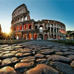 Visit the Colloseum, Roma ✔️ done!