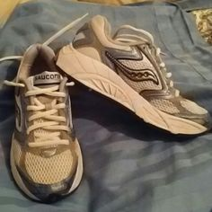 Saucony Shadow 'll Grid sneakers EUC Only worn a couple times Saucony Shoes Sneakers