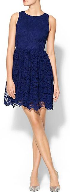 sleeveless lace midi dress http://rstyle.me/n/jz4m5r9te