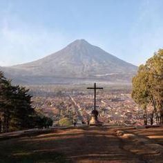 Cerro de la Cruz, La Antigua Guatemala. Photo by Edgar Monzon.   SÓLO LO MEJOR DE GUATEMALA