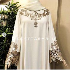 Fashion Tips Bags Mode.Fashion Tips Bags Mode Iranian Women Fashion, Arab Fashion, Muslim Fashion, Pakistani Dress Design, Pakistani Dresses, African Fashion Dresses, Fashion Outfits, Fashion Tips, Mode Abaya
