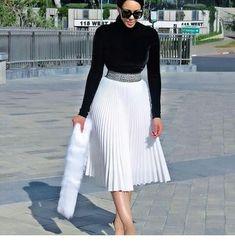 17 ways to wear pleated skirts - corporate attire women Classy Dress, Classy Outfits, Stylish Outfits, Work Fashion, Modest Fashion, Fashion Styles, Fashion Fashion, Retro Fashion, Winter Fashion