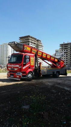 Gaziantep evden eve taşımacılık da kullanılan asansörlü evden eve taşımacılık aracı