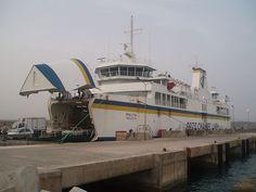 ゴゾ島を結ぶフェリー Gozo Ferry Disembarking ◆マルタ - Wikipedia https://ja.wikipedia.org/wiki/%E3%83%9E%E3%83%AB%E3%82%BF #Malta