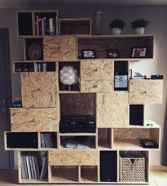 DIY OSB Eco Furniture, Plywood Furniture, Upcycled Furniture, Pallet Furniture, Osb Wood, Concrete Wood, Plywood Design, Creative Bookshelves, Wall Shelves