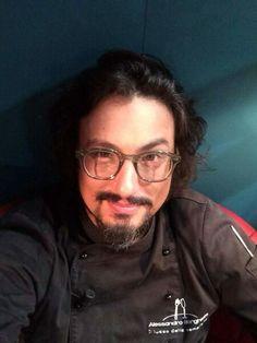 """Ciaoooooo amiciiiiiii! Come state? ;-))) Vi tengo d'occhio! A tra poco con  """"Alessandro Borghese Kitchen Sound"""" Ogni giorno su Sky Uno HD  e on demand su Sky #illussodellasemplicità #catering #AleKitchenSound"""