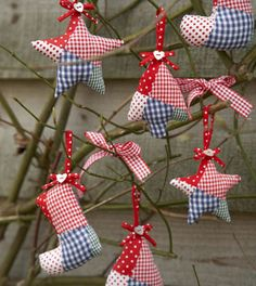 Gingham Christmas Decorations next year when I do my patriotic tree, these would be cute