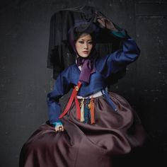 ribenische Samurai in Hanbok Korean Traditional Dress, Traditional Fashion, Traditional Dresses, Korea Dress, Modern Hanbok, Modern Outfits, Beautiful Asian Women, Dance Outfits, Asian Style